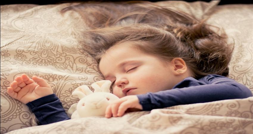 Ritualul de somn alaturi de o poveste de noapte buna
